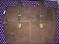 Leabags messenger bag