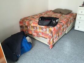 Double Room - Clean Room, looking for clean tenant, ideally female