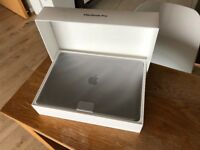 "13"" MacBook Pro - Space Gray w/ Touch Bar (2017 model) - i7 3.5GHz / 16Gb / 512Gb / 1 Battery Cycle"