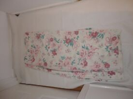 Double duvet & 2 pillow covers cream background pink flowers very pretty £3 Good condition Ammanford