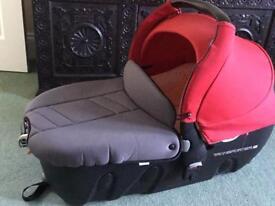 Jane lie flat transporter 2 car seat travel cot