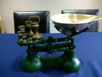 Traditional Balance Kitchen Scales with set of Brass Weights
