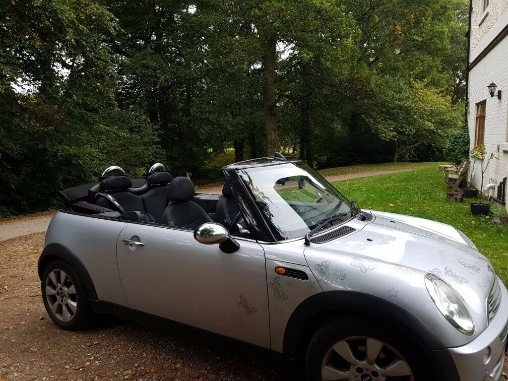 MINI Convertible 1.6 One 2dr 2006 (56 Plate) Silver Great Condition. Very Low Mileage!