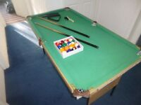 4f 6in Snooker table 2 cues and balls