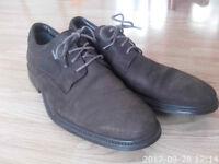 Clarks 20341320 shoes, gore-tex, Fall Time GTX Ebony Nubuck 7.5 gore tex. Little wear.