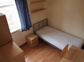 4 rooms to rent in Thornaby - ideal for students/professionals