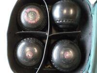 Lawn Bowls, Set of 4 Henselite, Size 5.