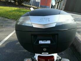 Givi v40 nt top box and plate.