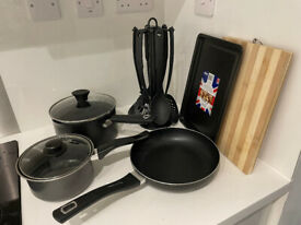 FULL SET OF KITCHEN- AND TABLEWARE ON SALE FOR 50 GBP (ORIGINAL VALUE 150 GBP, ONLY 3 MONTHS IN USE)