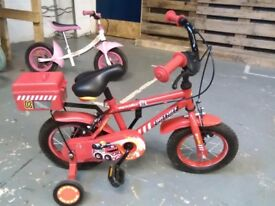 BOYS APOLLO FIRE CHIEF BIKE 12 INCH WHEELS + STABILISERS RED GOOD CONDITION CHRISTMAS