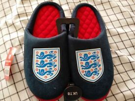 England Slippers Size 7/8
