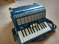 Weltmeister Perle 48 Bass Blue Piano Accordion (German made, in tune and in good condition)
