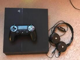Ps4 boxed with headset