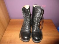 Men's army boots Size 8 Black in colour (updated photos)