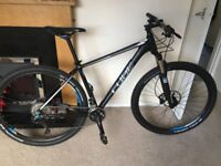 Cube Pro LTD 29er 19inch frame Hard Tail Mountain Bike with all the accessories
