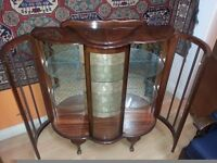 beautiful antique solid wood side board cbent. excellent condition.