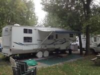 Fifth wheel Keystone Cougar 32 pieds