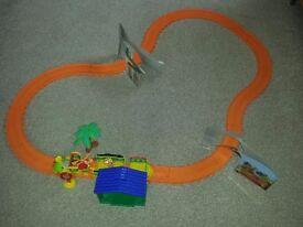Dinosaur Train Motorised Train Set Cbeebies