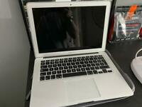 MacBook Air 13inch 2015 8gb ram I5