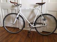 White Single Speed/Fixie Charge Plug Bicycle