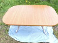 5' dining table (extending to approx 6') with six matching chairs. Excellent con. Light oak colour.