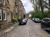 1 bedroom flat in Hermand Terrace, Edinburgh, EH11 (1 bed) (#1026972)