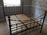 Metal bed frame (Double)