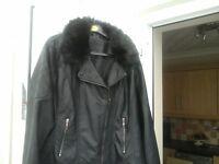 ladies Black faux Leather jacket detachble fur collar eexerlant condition size 20