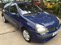 02 BLUE RENAULT CLIO EXPRESSION 1.2 PETROL SUNROOFMOT'D 5/10/17 **MILES 73650**NICE FIRST TIME CAR