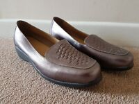 Women's M&S 'Footglove' Wider Fit SIZE 7.5 Leather Shoes