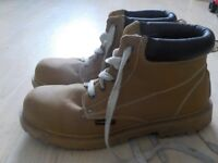 Size 12 Men's Work Boots - Good Quality Sole - Good Condition - Asking £7 but cost a lot more