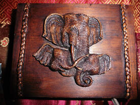 WOODEN CARVED ELEPHATS TRINKET BOX