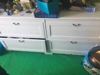 Off white 4 drawer large unit