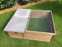 Tortoise/rabbit/guinea pig outdoor hutch/run