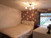 Nice and Clean Double Bedroom close to the University of Hertfordshire. ***All bill Inclusive****