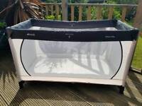 Hauck Dream N Play Travel Cot - Great Condition