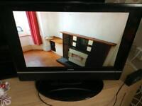 Goodmans 19 inch lcd tv with built in freeview