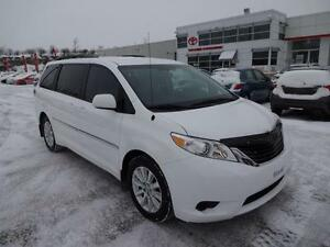 2011 Toyota Sienna LE AWD V6 REARVIEW CAMERA  REMOTE STARTER