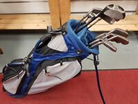 Nike bag with full set of golf clubs