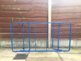 Single bed metal frame