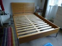 Double bed and mattress very good condition. Dorlux flexiform collection