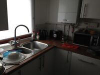 2 deouble bed flat for sale in TW4 Hounslow west. £225000 ono.
