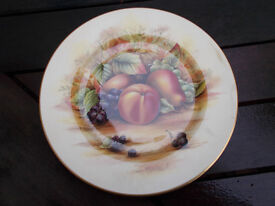 Aynsley Orchard Gold cabinet plate