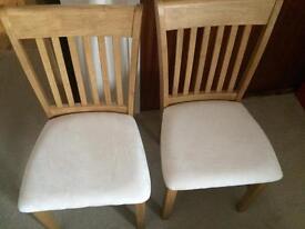 2x oak chairs.