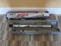 Torque wrench.