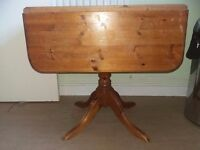 Solid pine table free to collector