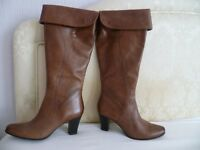Ladies Leather Boots.