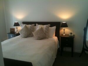 Timber queen bed suite. Caringbah Sutherland Area Preview