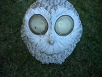 A FAT WOODEN WHITE OWL GARDEN ORNIMENT 10X10X7 INCHES