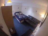 *Good looking double/twin room available now in Brick Lane – Zone 1 – 180pw!